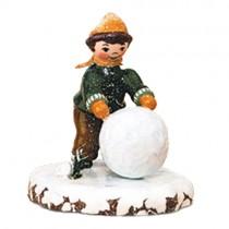Hubrig - Winterkinder - Junge mit Schneekugel
