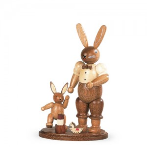 Müller - Hasenvater mit spielendem Kind natur klein, 11cm